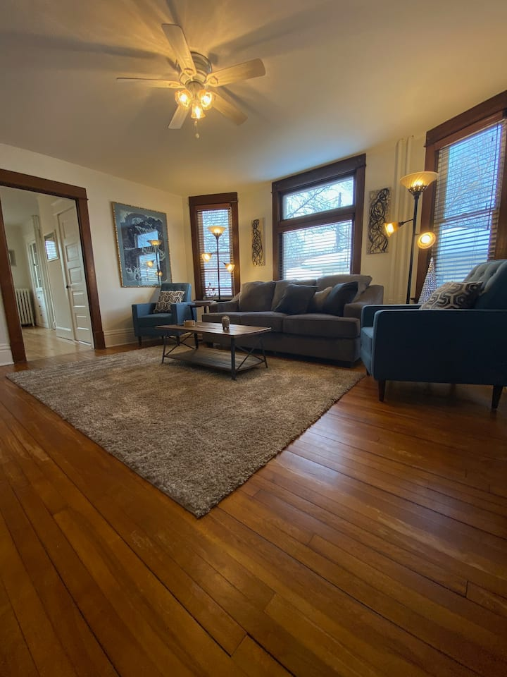 - Historic Rooming House just outside Downtown -