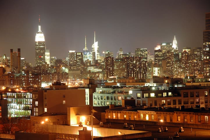 The Most Amazing Rooftop View in all of Williamsburg!!