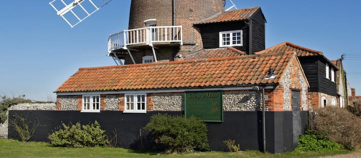 Cley Windmill - Longhouse