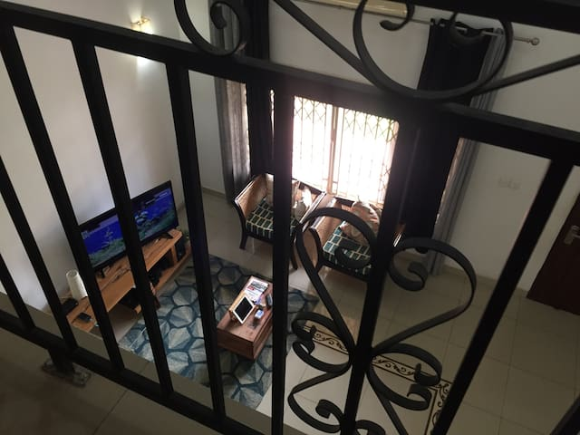 Short or long stay house mate. Book now