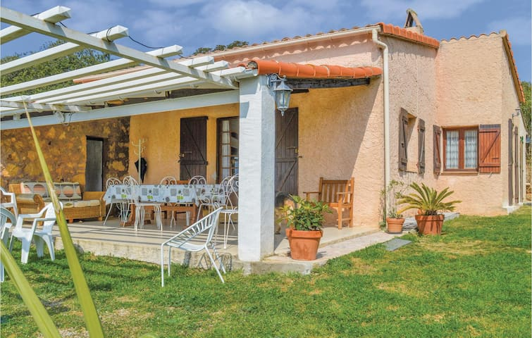Holiday cottage with 3 bedrooms on 76m² in Cargese