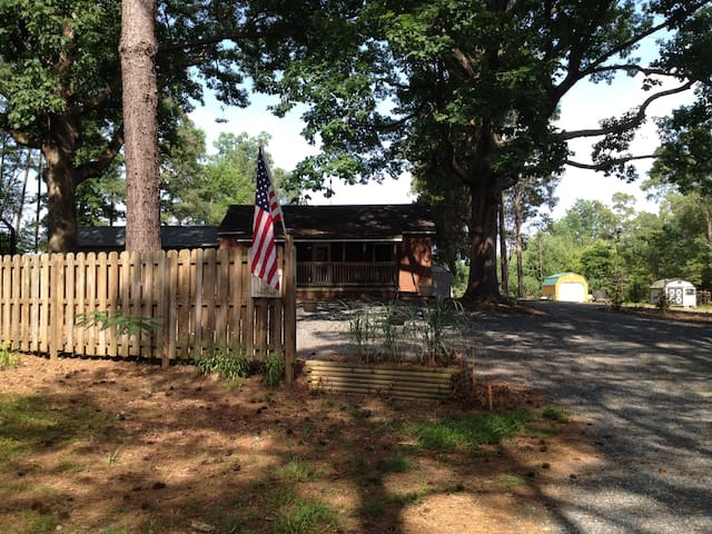 Guest House at Jordan Lake! - Moncure