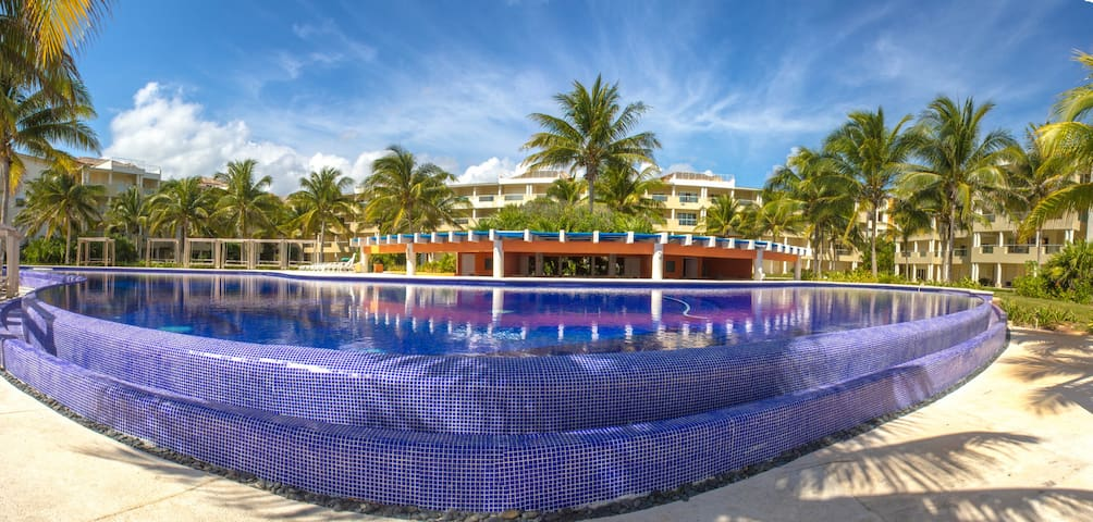 Beautiful Beach front apartment - Puerto Morelos - Lägenhet