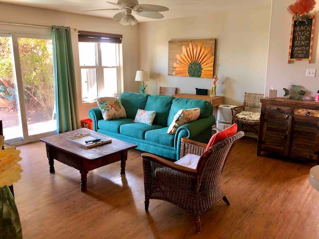 2/2  Condo on canal and two blocks to beach