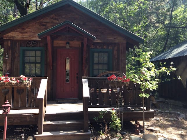 "Feather River Hot Springs ""Lola's Bordello"" - Twain - Cabin"