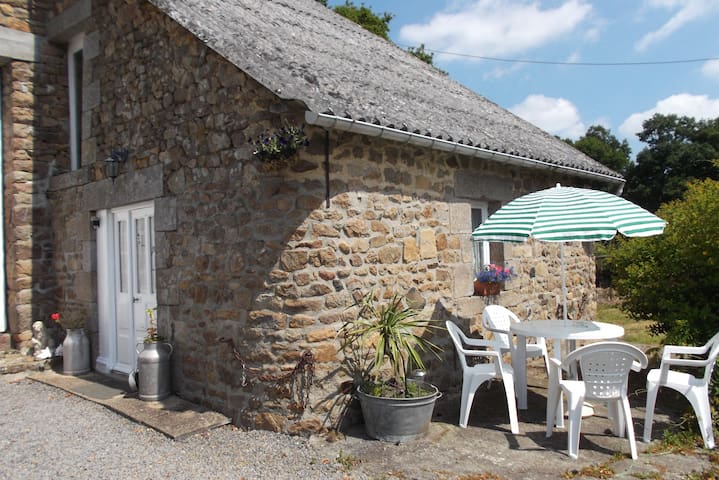Rural Rustic Cottage Nr Le Mont St Michel - Saint-Broladre - House