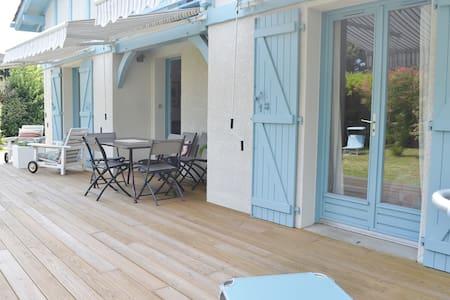 Comfortable Villa Les Surfeurs Hossegor