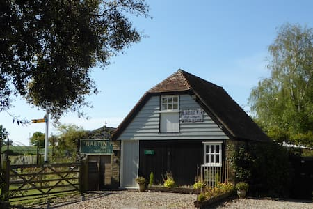 Signal Cottage, Ash, nr Sandwich