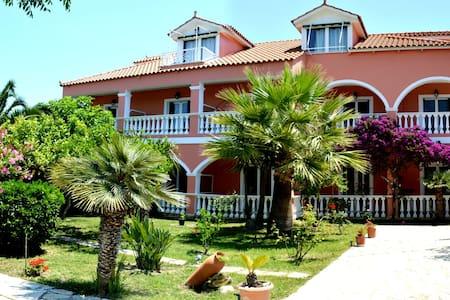 Residence Villasabella - Laganas - Bed & Breakfast