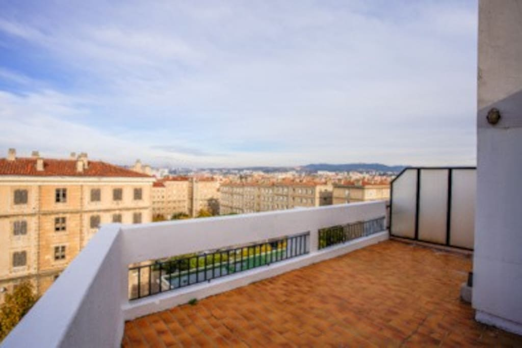 T2 grande terrasse vue panoramique appartements louer for T2 terrasse marseille