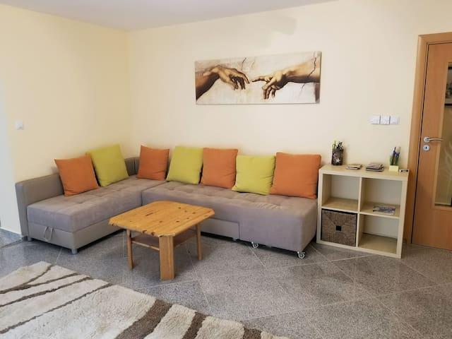 A spacious three bedroom apartment in Bad Abbach