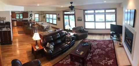 WEST HAGERMAN LAKE HOUSE (Iron River, MI): Great for families!