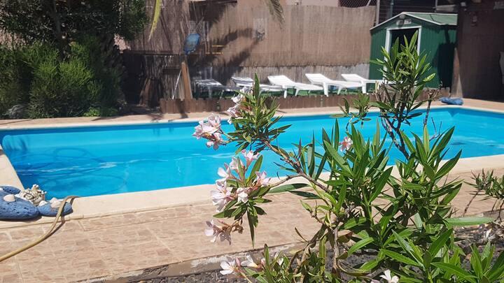 """Villa """"Alicia"""" con vistas a las montañas y piscina"""