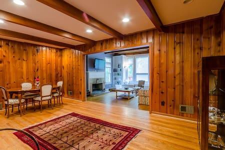 Stunning Estate Sleep 16 on 5 Acres