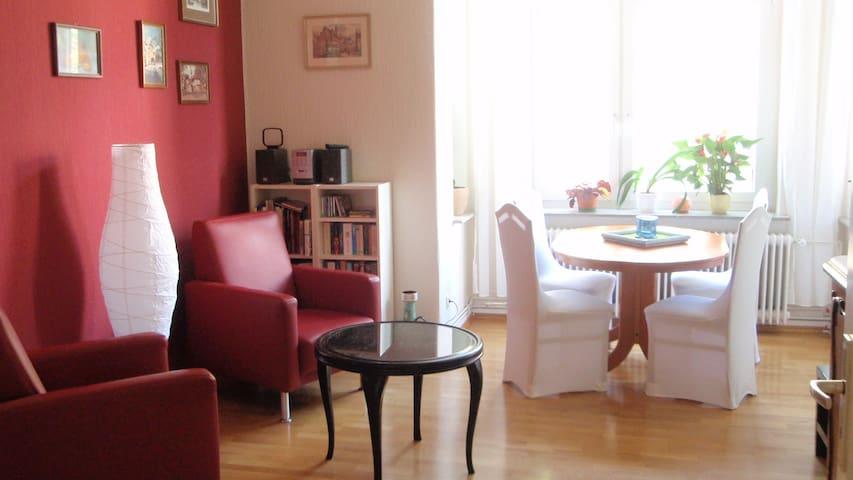 city-nahe schöne 3-Zim.Wohnung  - Hanover - House