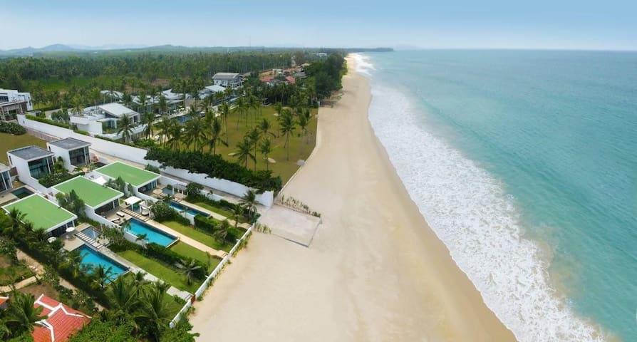 Phuket Natai Beachfront Lux Villa - Phuket - Hus