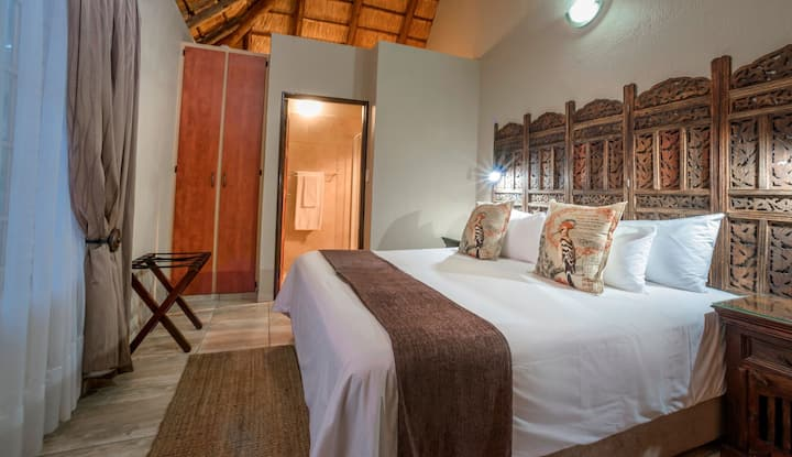 La Kruger Lifestyle Lodge - Deluxe King/Twin Room