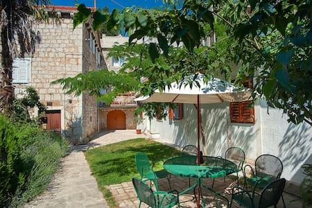 Dalmatian garden - Šibenik - Wohnung