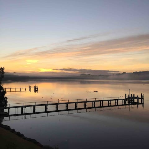 Gosford waterfront 1 complete private level wow!