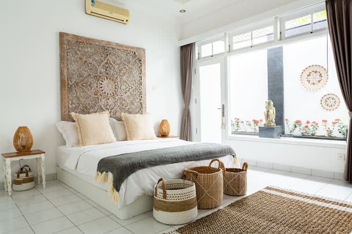 Chic Room in the ❤ of Canggu✤Pool✤Outdoor bathtub✤