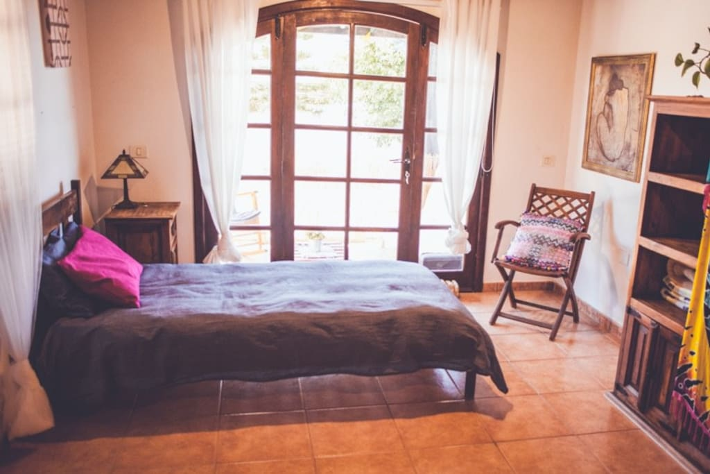 2 twin beds with own terrace
