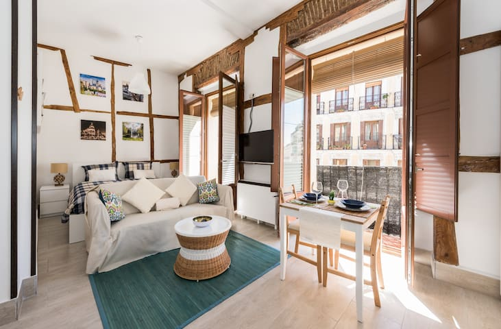 INMUEBLE HISTÓRICO JUNTO OPERA - Madrid - Apartment