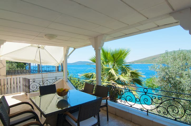 Villa at the seaside perfect locatn - Bodrum - Villa