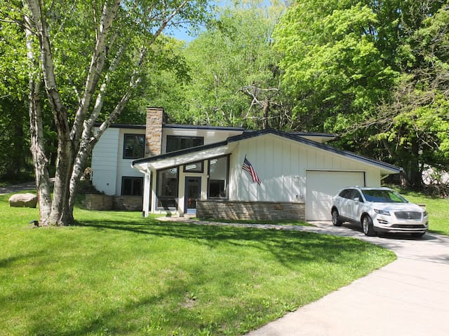 The Birches by the Lake - LUXURIOUS NEW LISTING!