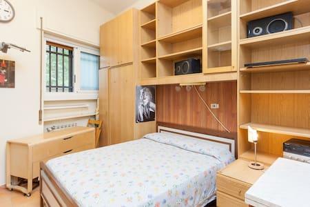 Rome: room for two near Trastevere
