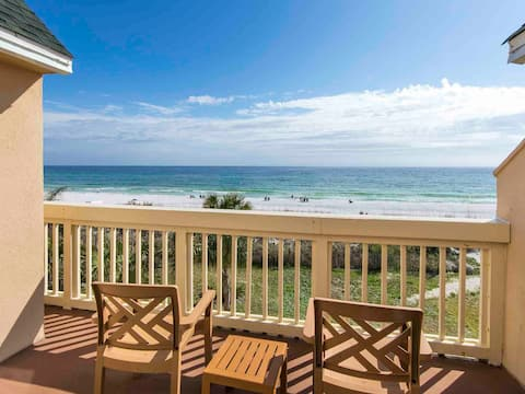 Split Level Beach Condo. Steps from the Sand!