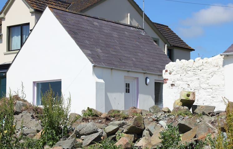 Cottage on the beach - Ardglass - Huis