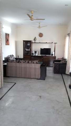 Cozy 1  bhk Ac furnished house near chandigarh.
