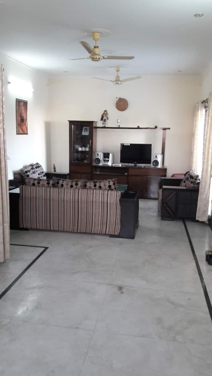 1  bhk Ac wifi  furnished house near chandigarh.