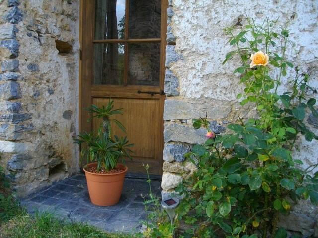 Plantez VOTRE TENTE dans mon jardin - Saulges