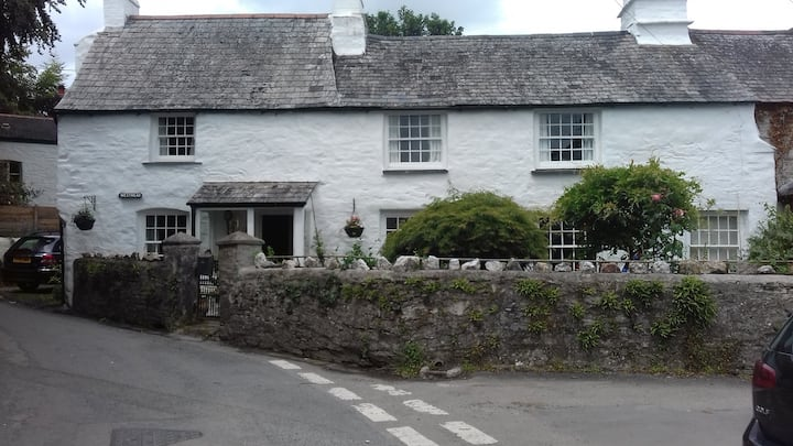 Cornish cottage set in lovely Tamar country side