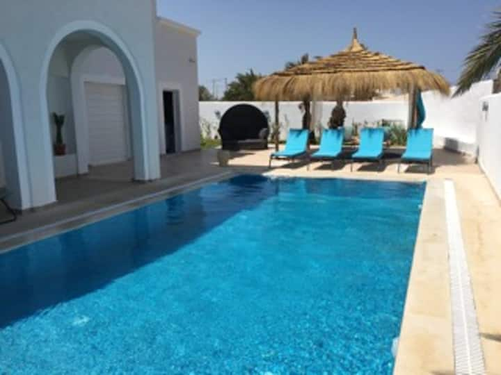 Villa with 4 bedrooms in Aghir, with private pool, furnished terrace and WiFi - 300 m from the beach