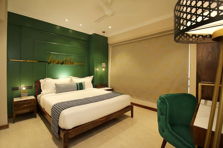 Premium Three bedroom apartment at Bandra West