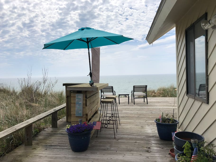 NEWLY UPDATED SPRING 2018! DECK BAR on your private 16 X 30 deck, PLUS A NEW PIRATE MAN CAVE WITH SMART TV AND GRILL!