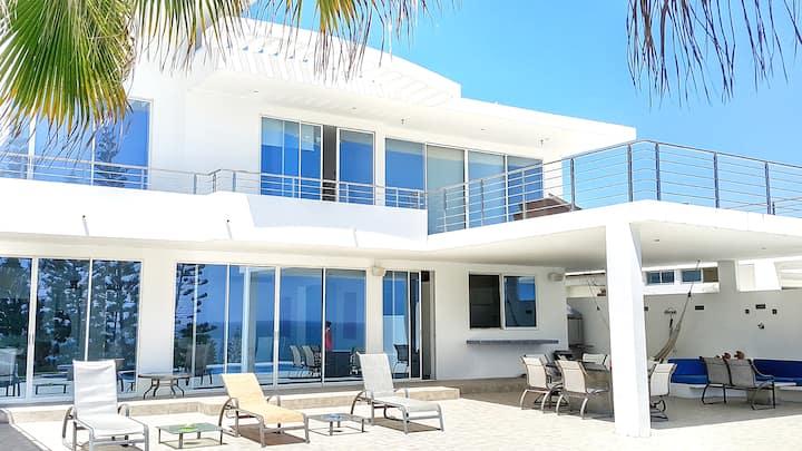 Luxury beach house at the beach in Punta Barandua