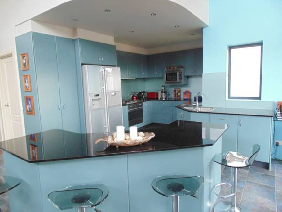 great well equipt kitchen