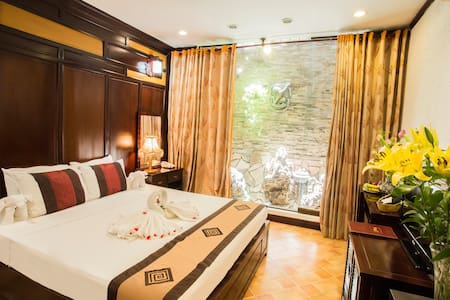 Cozy room in Central Of Old Quarter - Hàng Trống - Bed & Breakfast