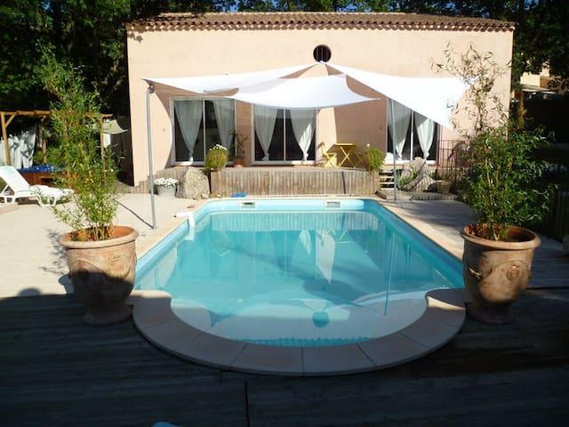 Belle villa en Provence avec piscine et  jacuzzi