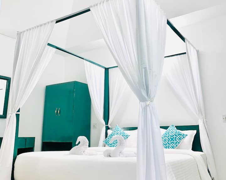 Premium cottage in Tropical Valley Resort Morjim