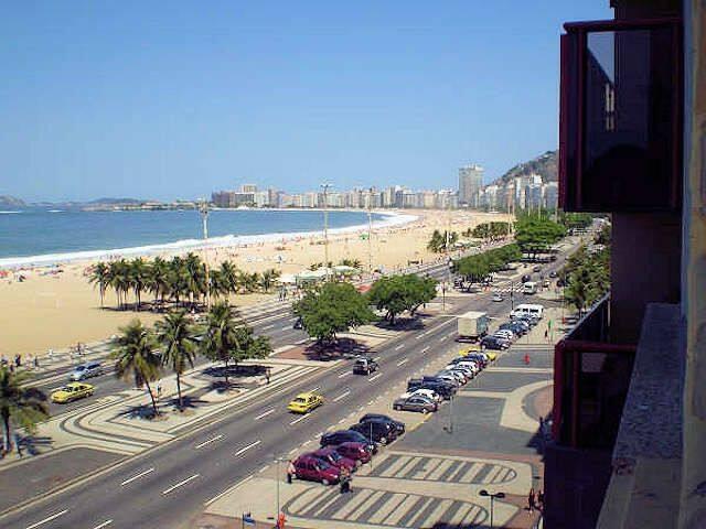Copacabana,  de frente para o mar para a família!