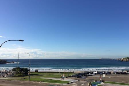 Absolute Beachfront Bondi Living - Bondi Beach