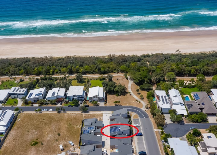 Brand new two bedroom beach house just meters from the beach.