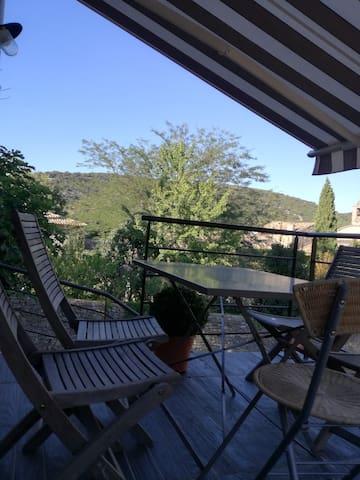 Vue sur les collines - Saint-André-de-Roquepertuis