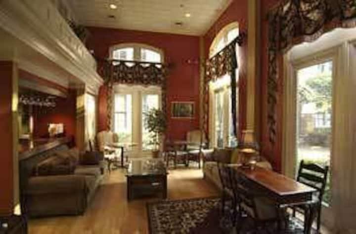 1 bedroom 4 guests Hotel  in Charleston
