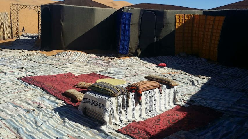 merzouga desert camp house - Hassilabied - Sátor