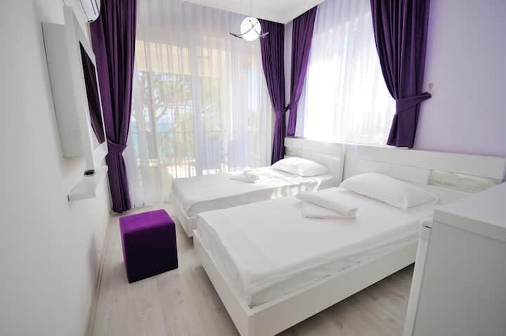 Deniz Manzaralı İki Ayrı Yataklı Oda | Fuda Hotel